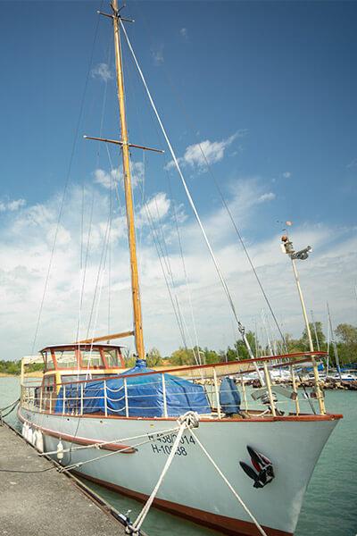 a legnagyobb vitorlás hajó a balatonon Öszöd
